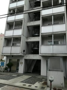昭和区店舗(ローズジャスミン)前